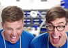 """Samsung висміяв нову """"геніальну"""" продукцію Apple"""